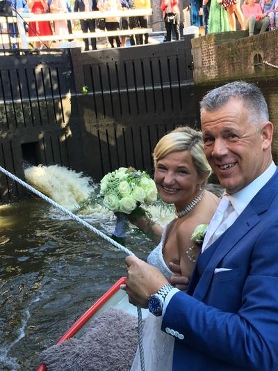 trouwbootje huwelijksbootje de rijp